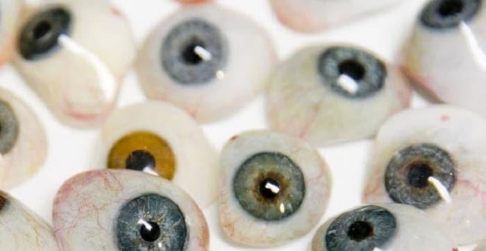 آیا پروتز چشم از شیشه ساخته شده است