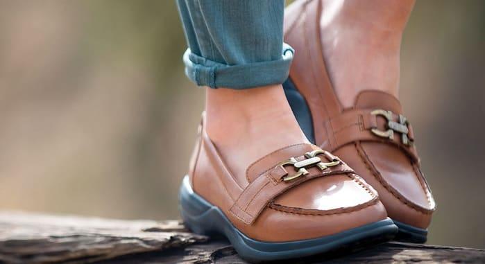 انواع کفش های طبی