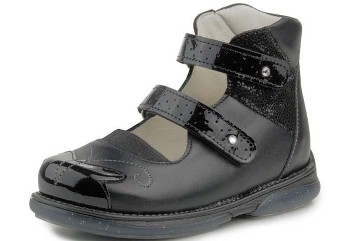 در تهیه کفشهای کودکان باید به دنبال چه چیزی باشیم