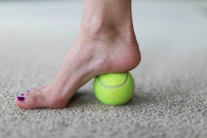 ورزش با توپ تنیس