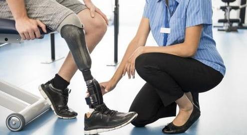 پروتز زیر زانو :انواع ،ساخت و راه رفتن بعد از پروتز پا زیر زانو