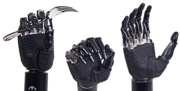 پروتزهای مکانیکی دست (با نیروی بدنی بیمار)
