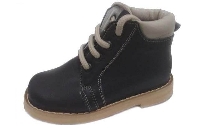 کفش طبی کودکان برای درمان صافی کف پا و ناهنجاری های پای بچه