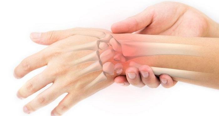 علائم دررفتگی دست، مچ دست یا آرنج به چه عواملی بستگی دارد؟