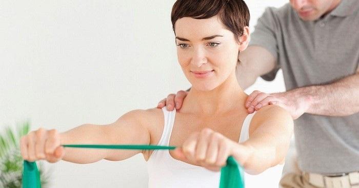 فیزیوتراپی برای درمان دررفتگی مچ دست